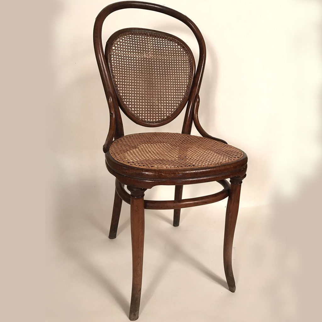 chaise-thonet-bois-courbe