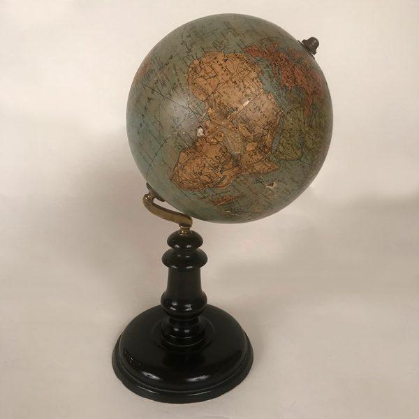 globe-terrestre-ancien