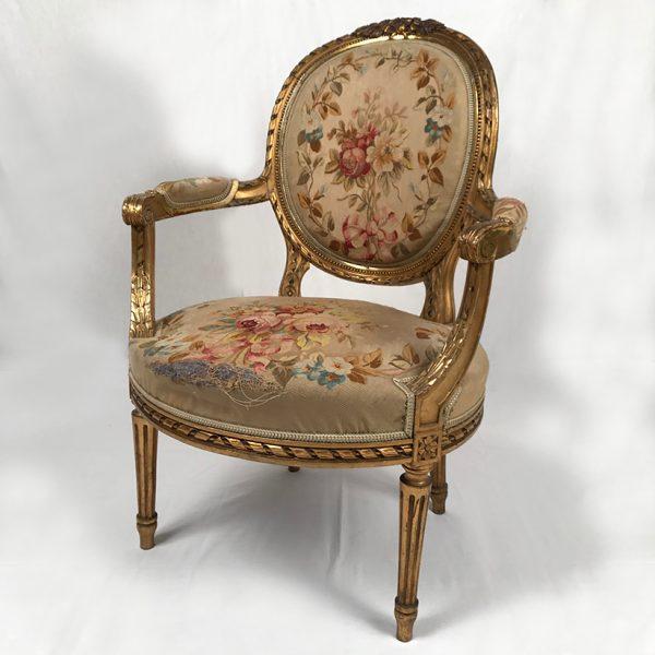 fauteuil-medaillon-louis-xvi