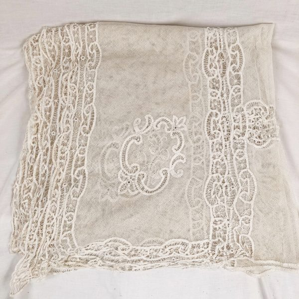 nappe-ancienne-tulle-brode