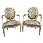 fauteuils-louis-xvi-dossier-medaillon