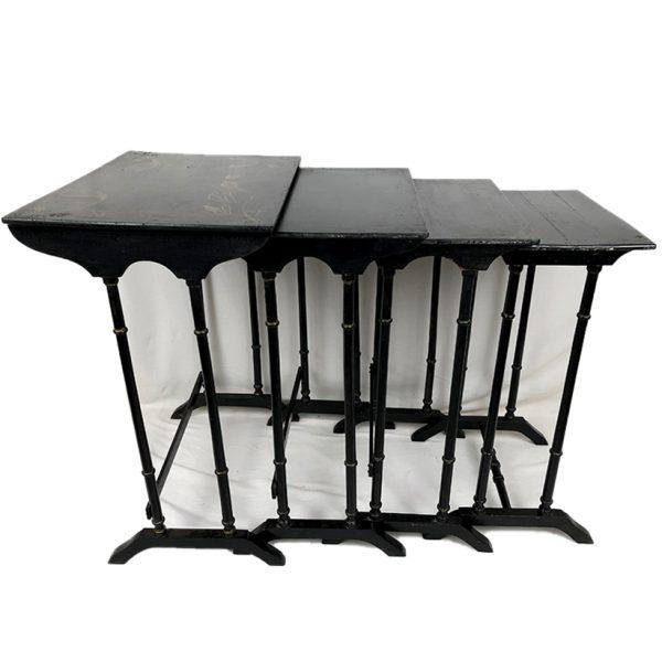 tables-gigognes--laquees-noir