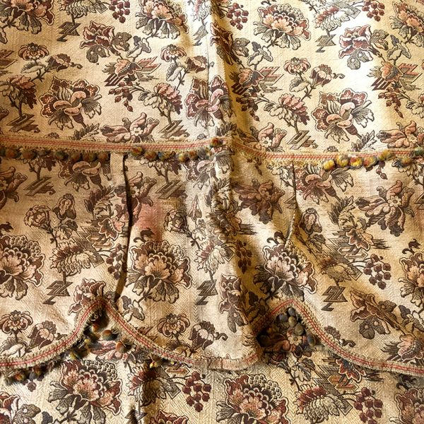 rideaux-anciens-tapisserie-motif-floral