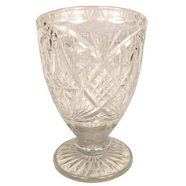 vase-cristal-taille-sur-pied